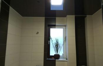 natyazhnoj-potolok-v-tualet8